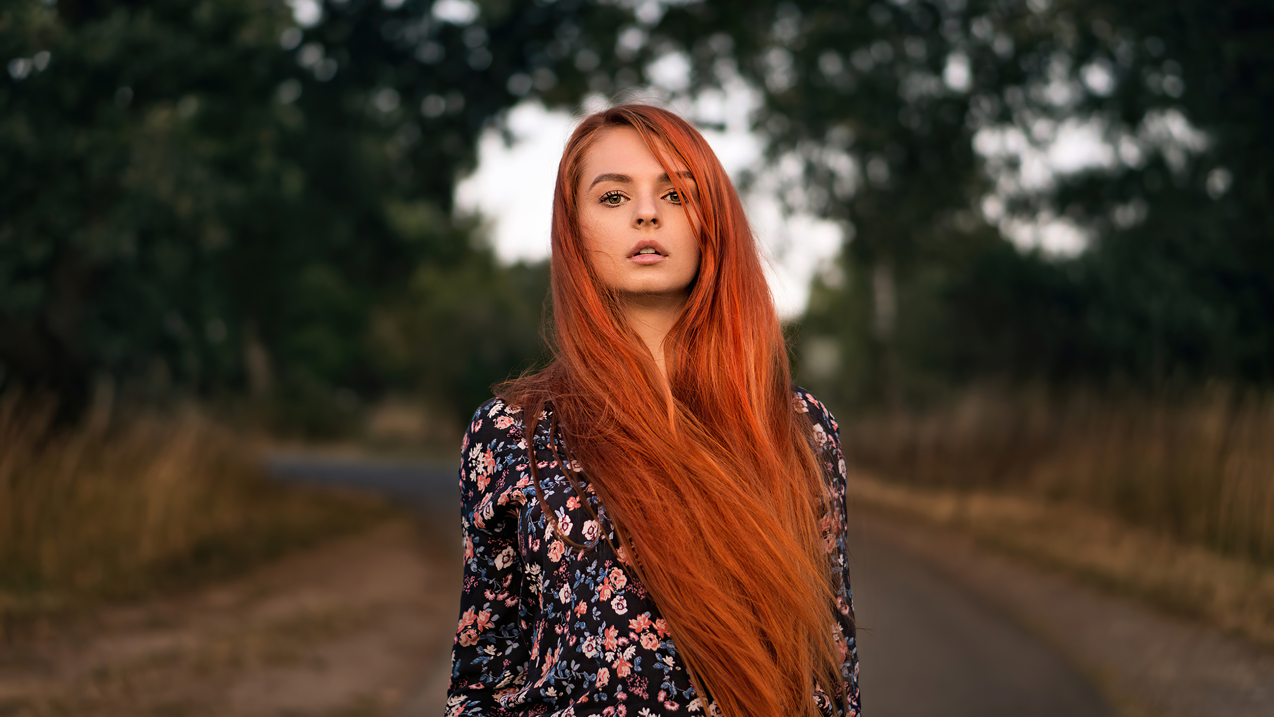 red-head-girl-outdoor-road-4k-rl.jpg
