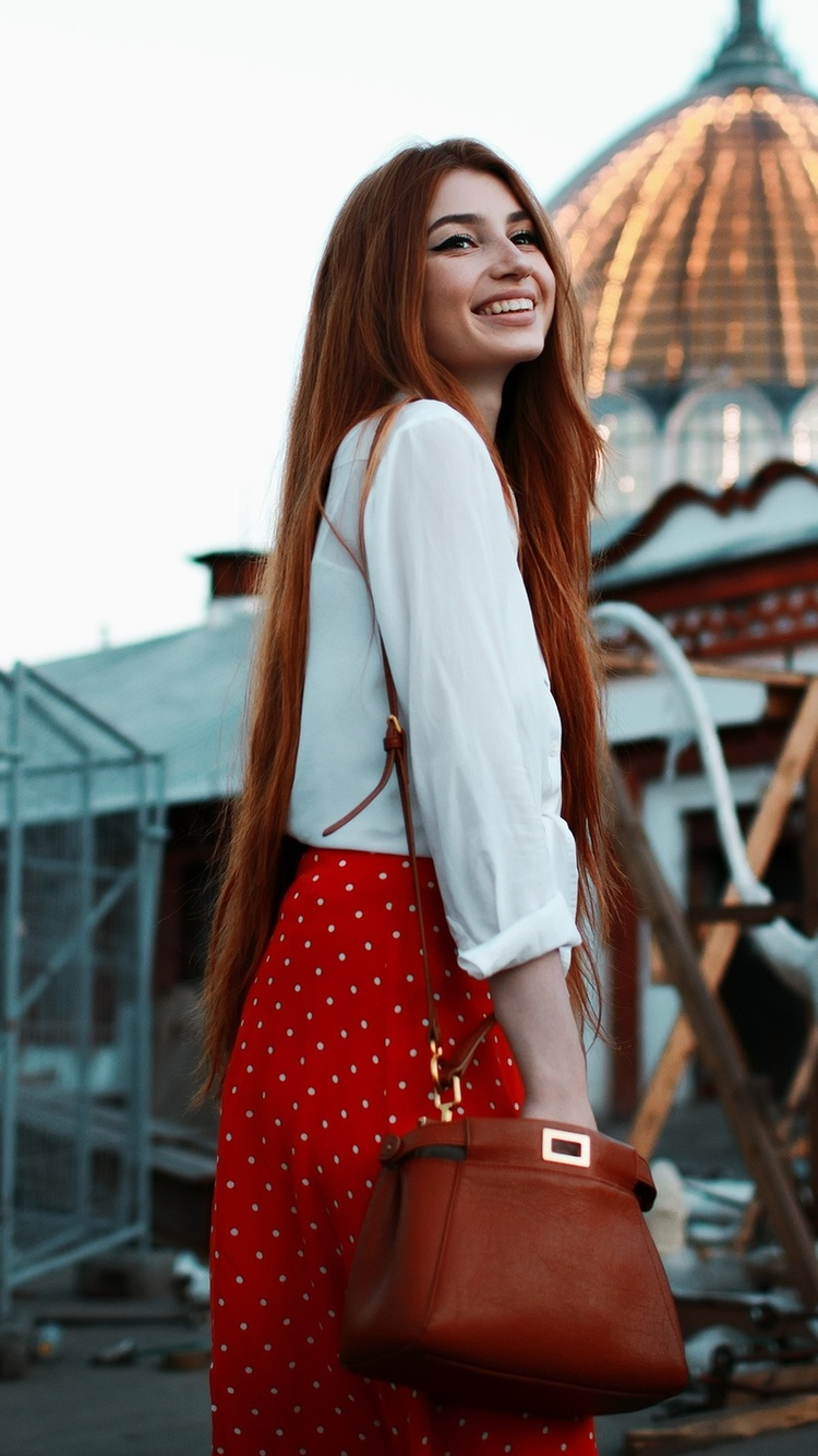 red-head-girl-smiling-uh.jpg