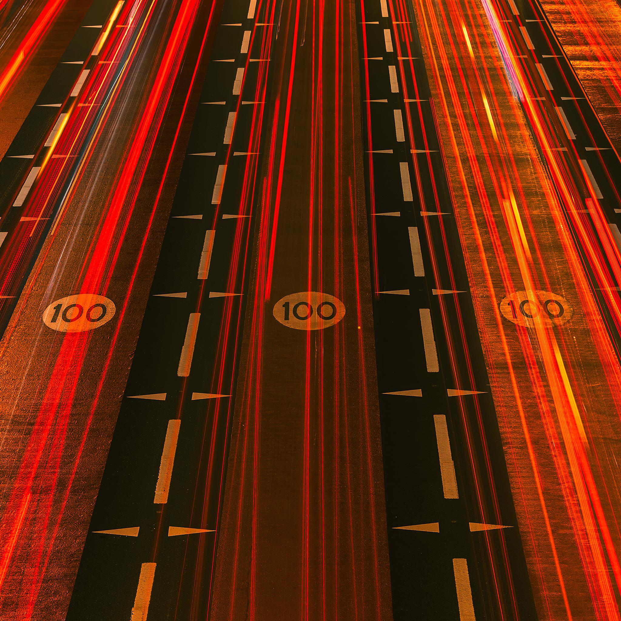 red-light-streaks-road-5k-q0.jpg