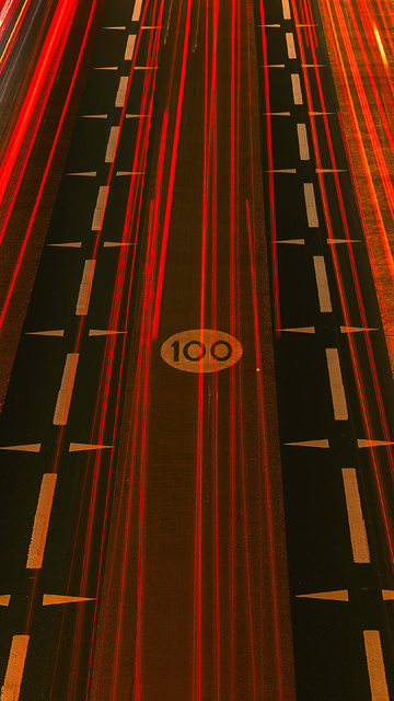 red-light-streaks-road-5k-q0.jpg