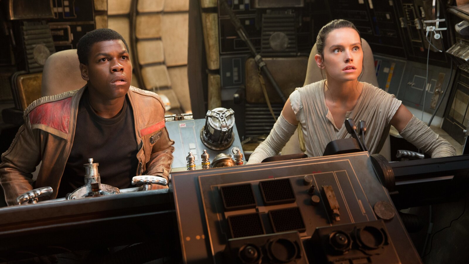 rey-and-finn-star-wars-the-last-jedi-bd.jpg