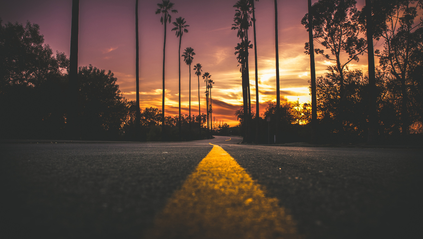 Must see Wallpaper Laptop Sunset - road-in-city-during-sunset-go-1360x768  Trends_646882.jpg