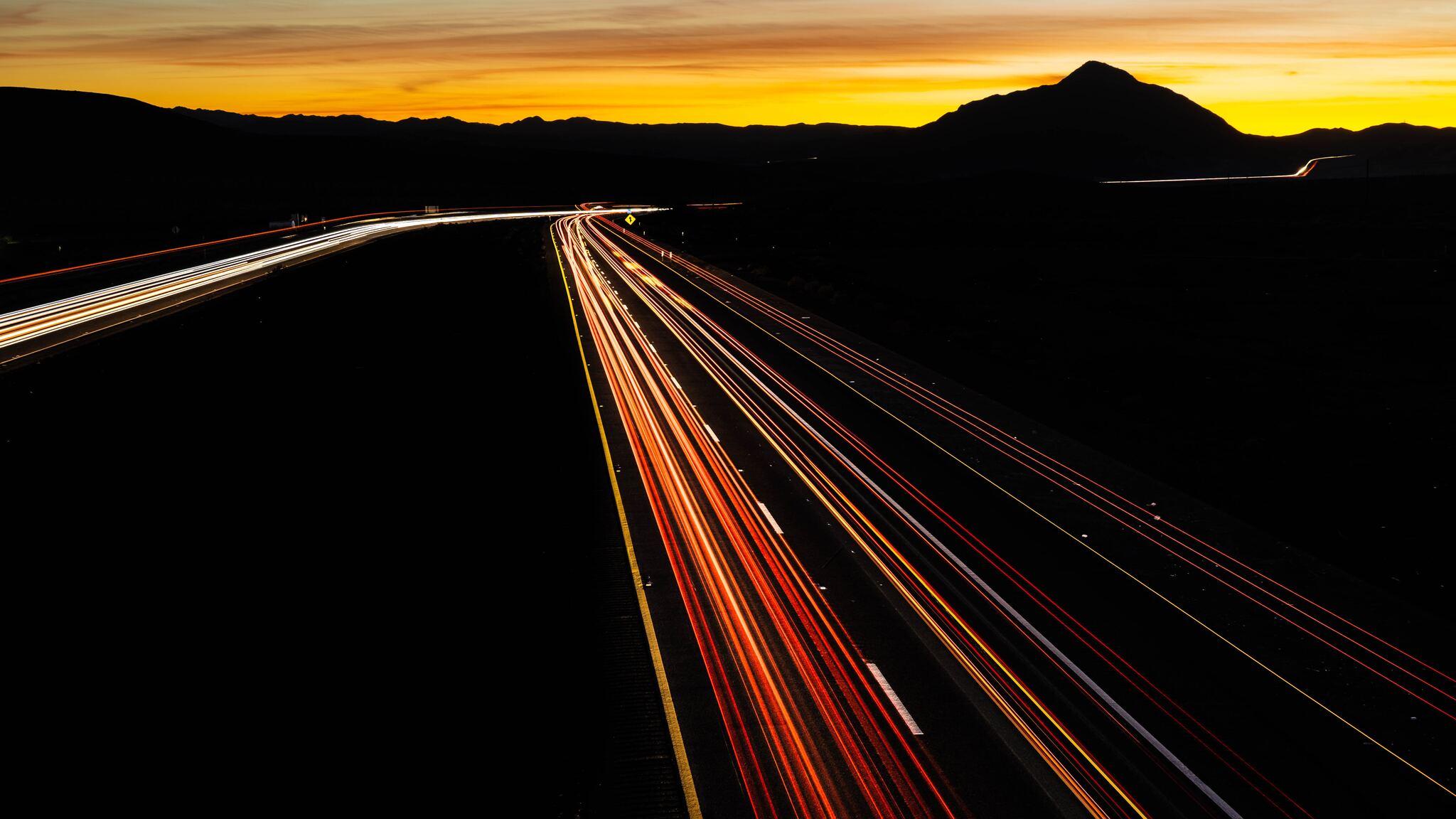 road-turn-backlight-long-exposure-5k-k3.jpg
