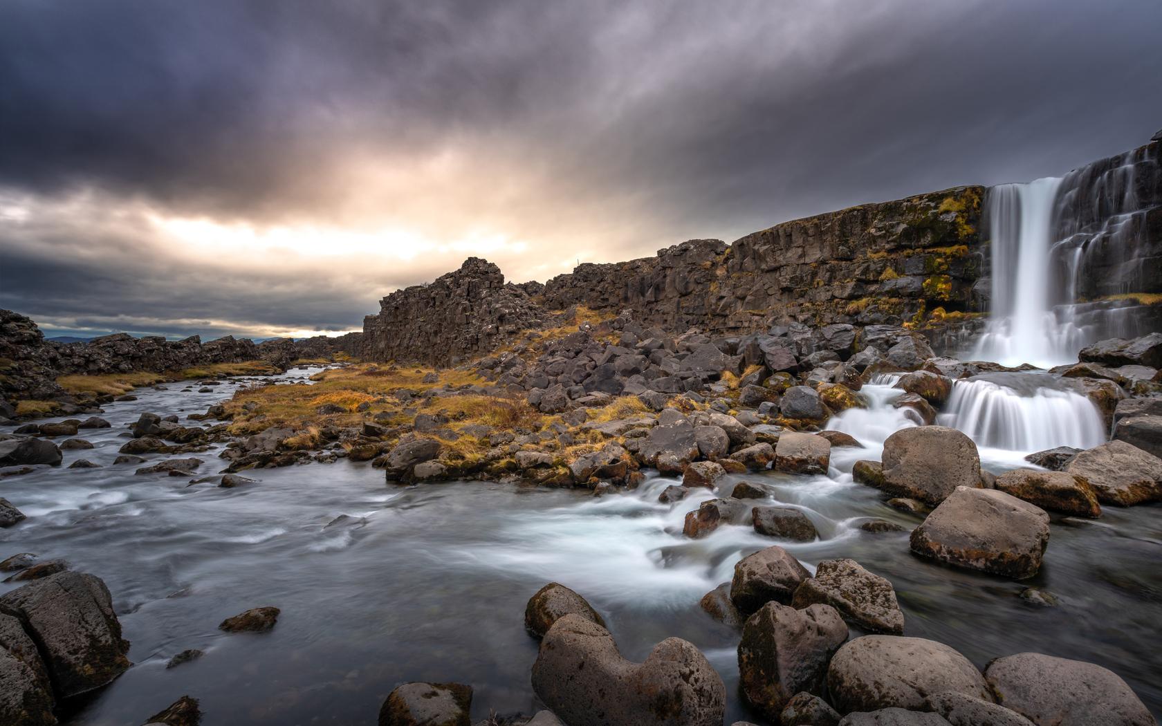 rocks-waterfall-8k-xe.jpg