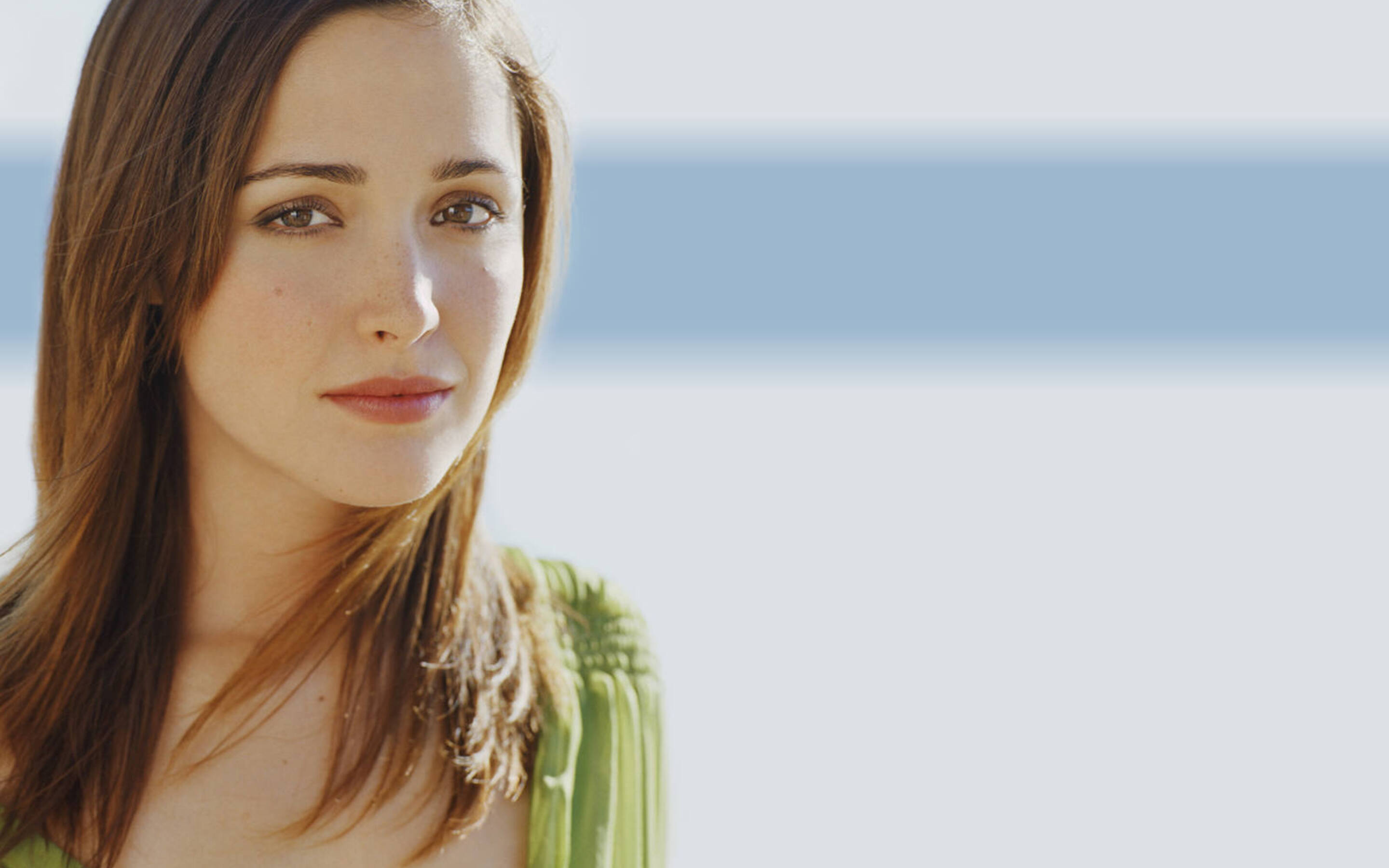 rose-byrne-simple-4k.jpg