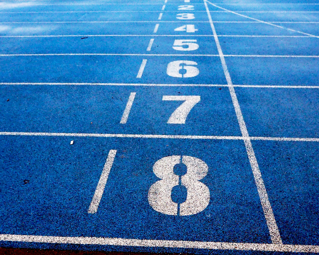 running-track-numbers-eu.jpg