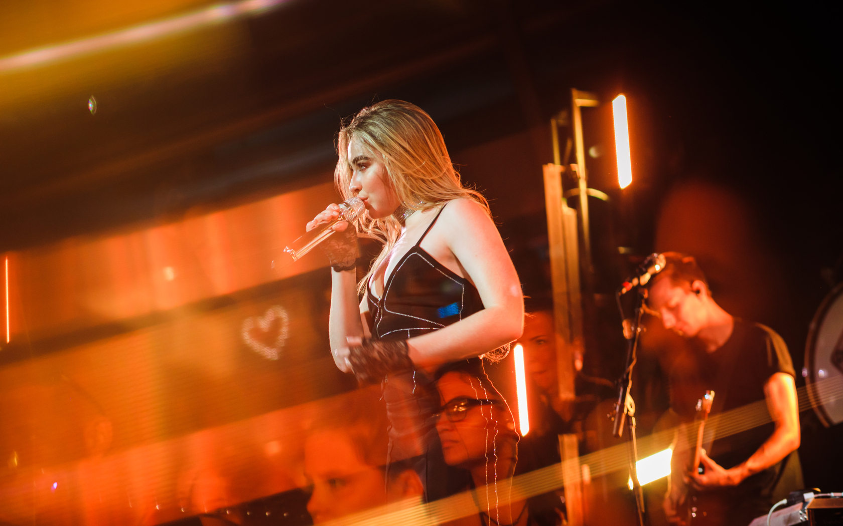 sabrina-carpenter-american-singer-live-performance-2018-5k-48.jpg