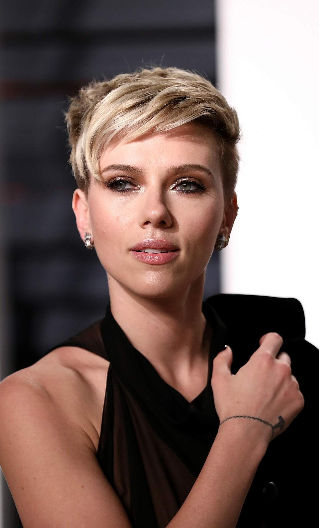 Think, Scarlett johansson vanity fair apologise, but