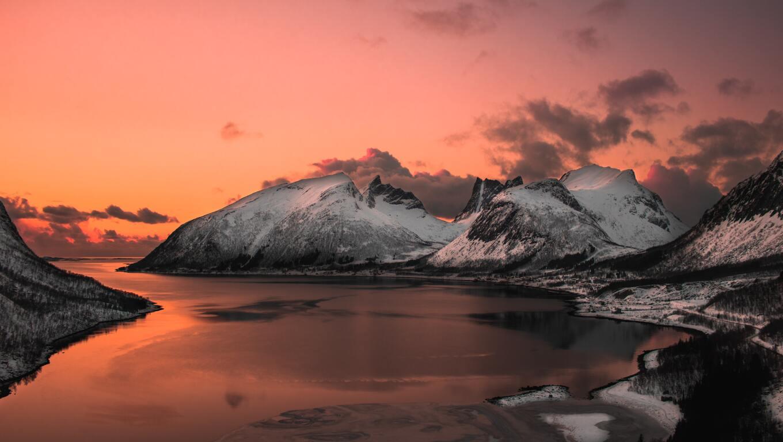 scenic-photo-of-lake-5k-gh.jpg
