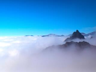 sea-of-clouds-mountains-peak-5k-v5.jpg