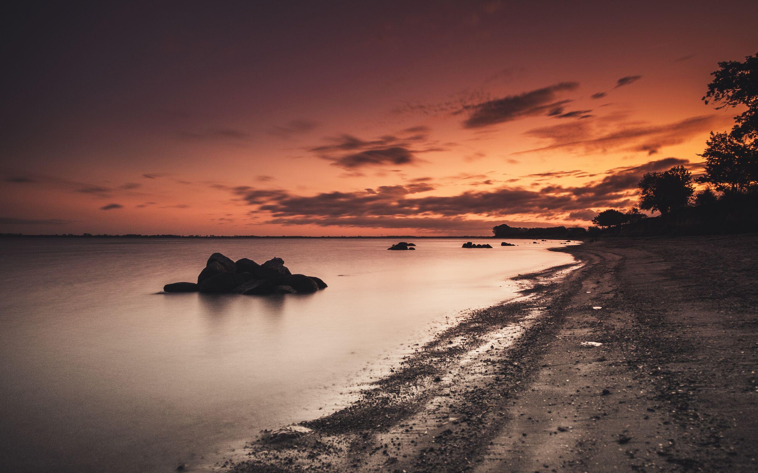 sea-shore-during-golden-hour-5k-79.jpg