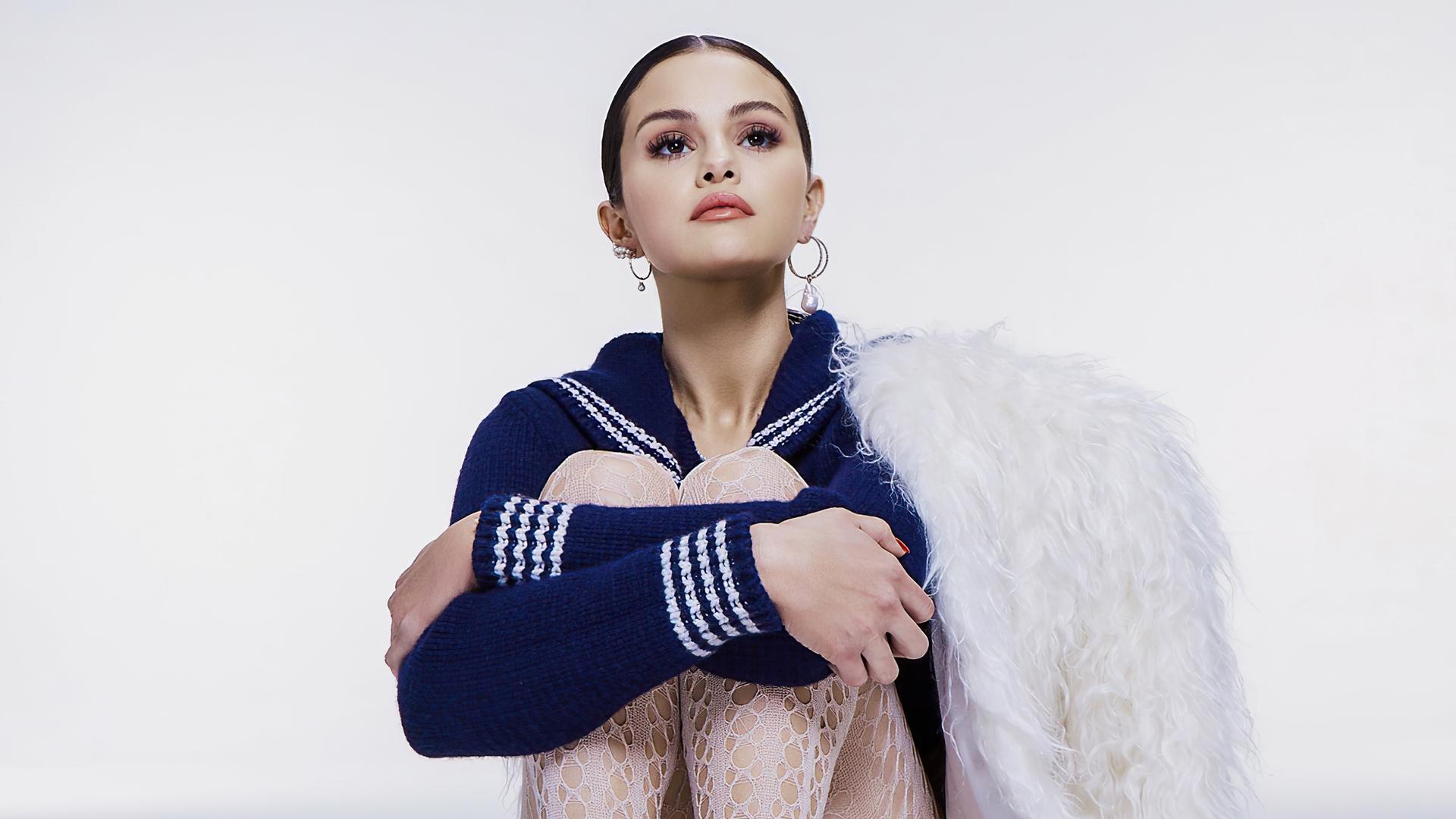selena-gomez-cr-fashion-book-photoshoot-4k-9y.jpg