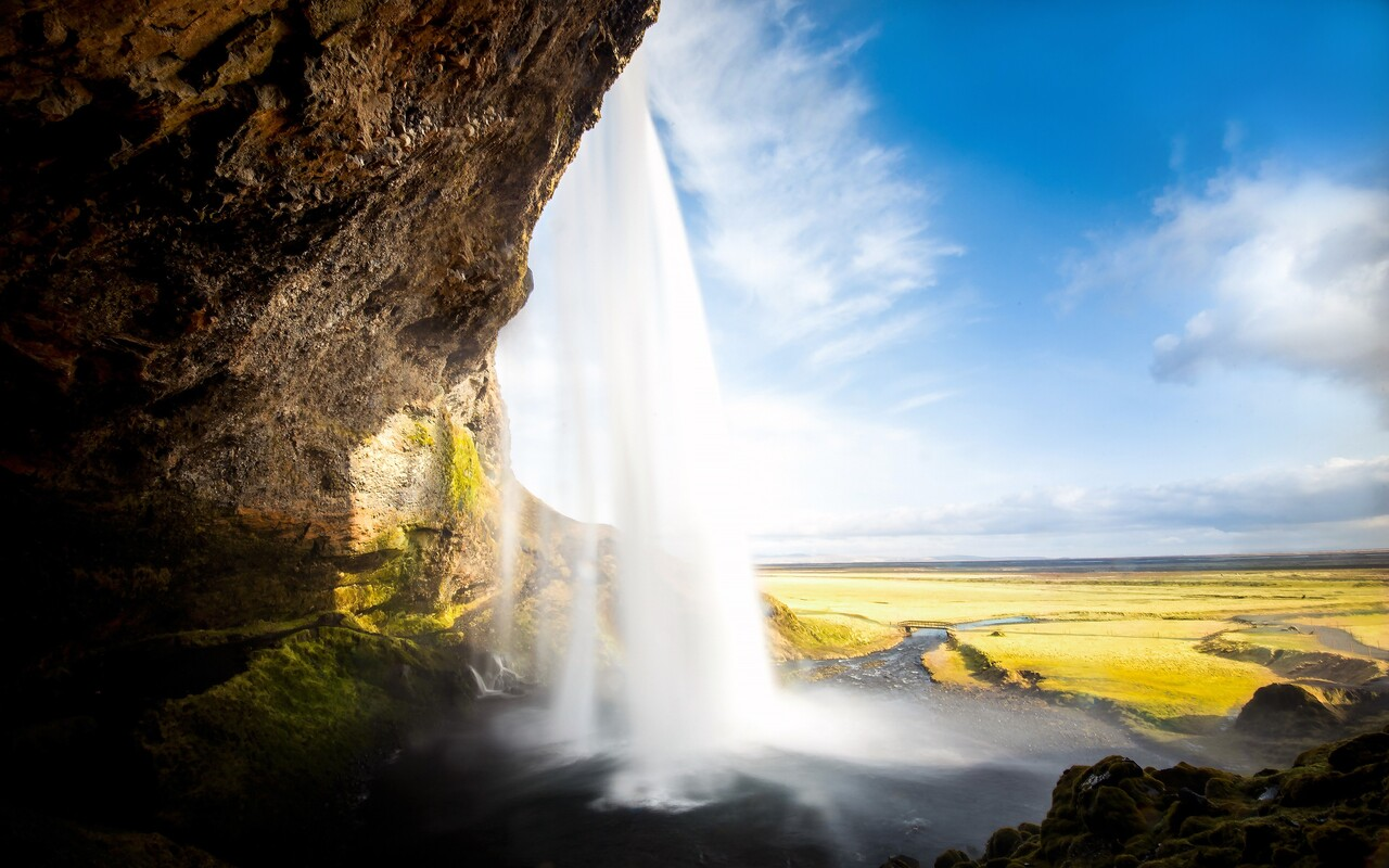 seljalandsfoss-waterfall.jpg