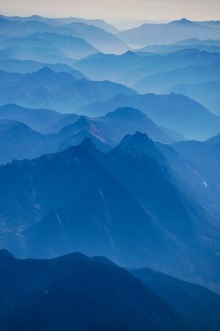 shades-of-blue-4k-cw.jpg