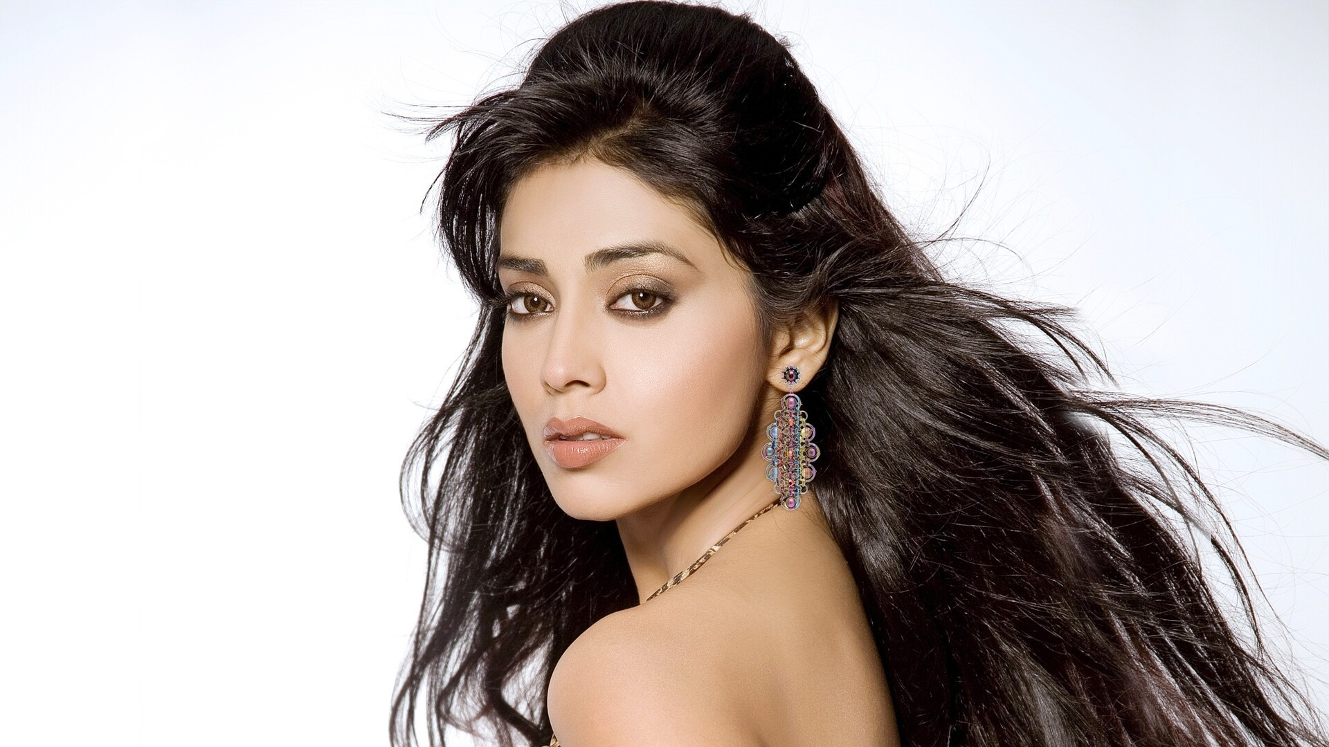 1920x1080 shriya saran laptop full hd 1080p hd 4k wallpapers, images