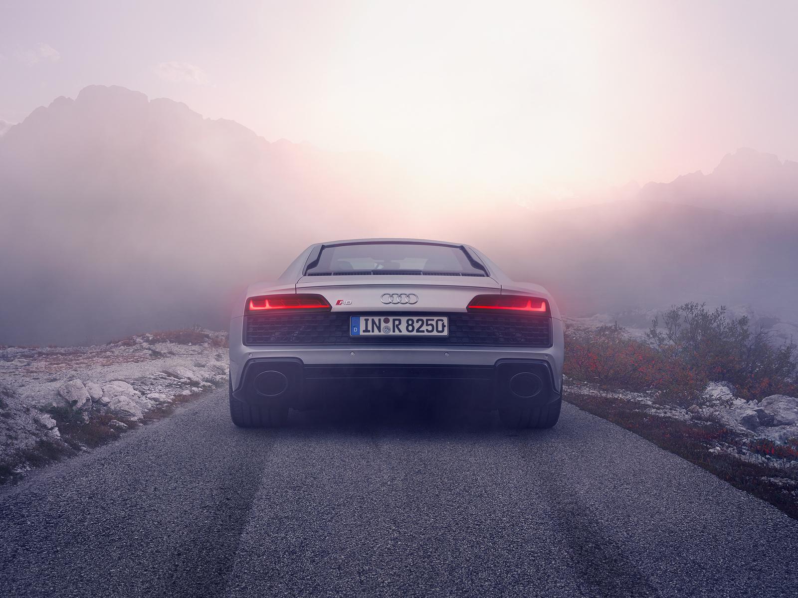 silver-audi-r8-2019-rear-p3.jpg