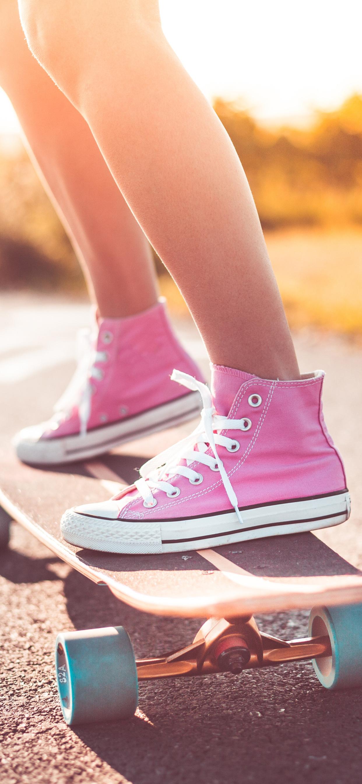 skateboard-shoes-legs-4k-pd.jpg