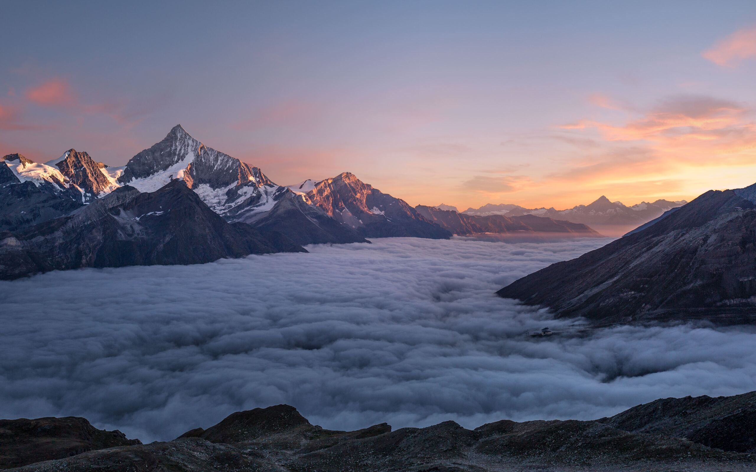 sky-of-clouds-glow-cool-light-mountains-5k-l0.jpg