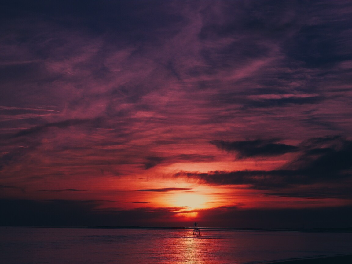 sky-sea-flares-sunset-water-reflection-4k-0w.jpg