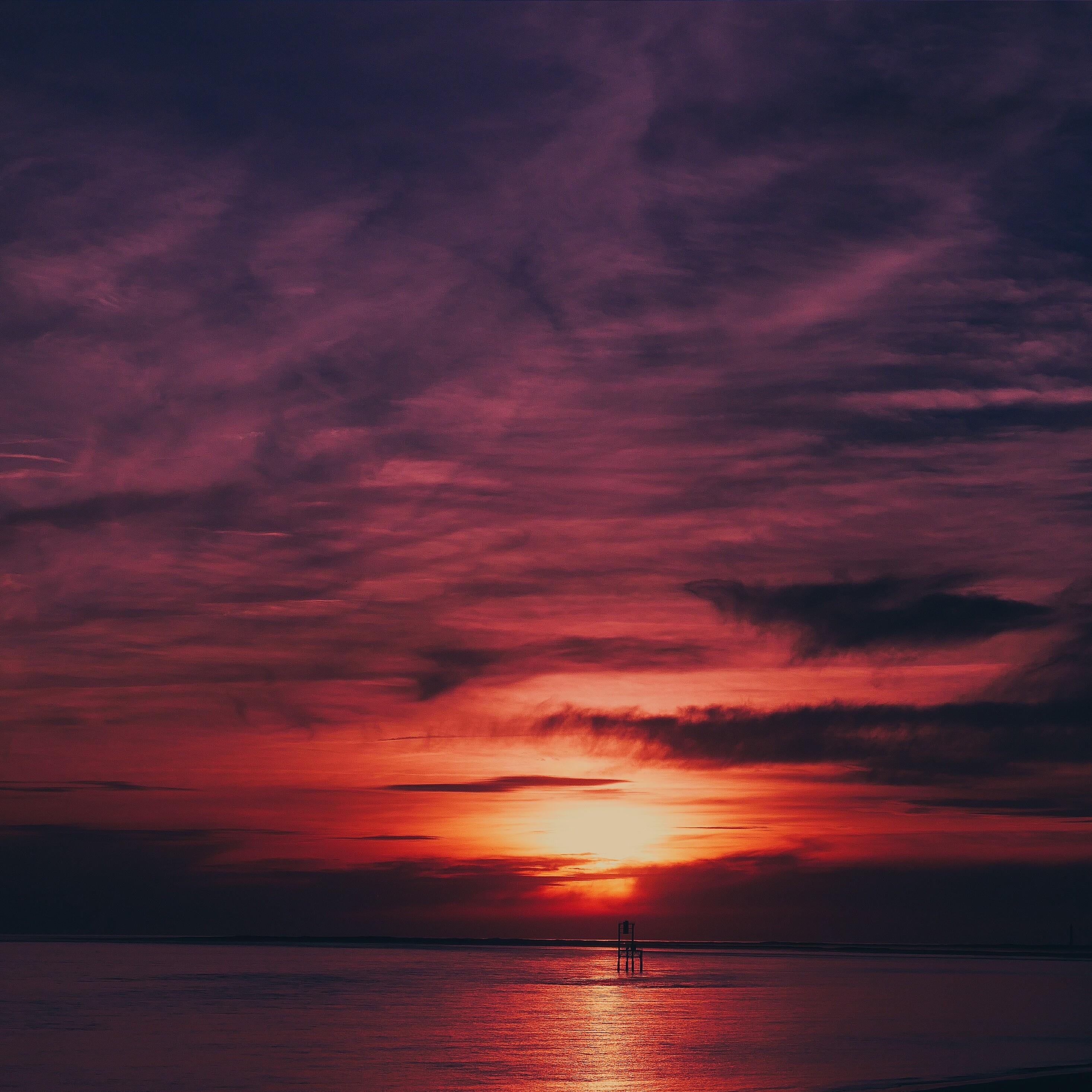 sky-sea-flares-sunset-water-reflection-4k-0w.jpg