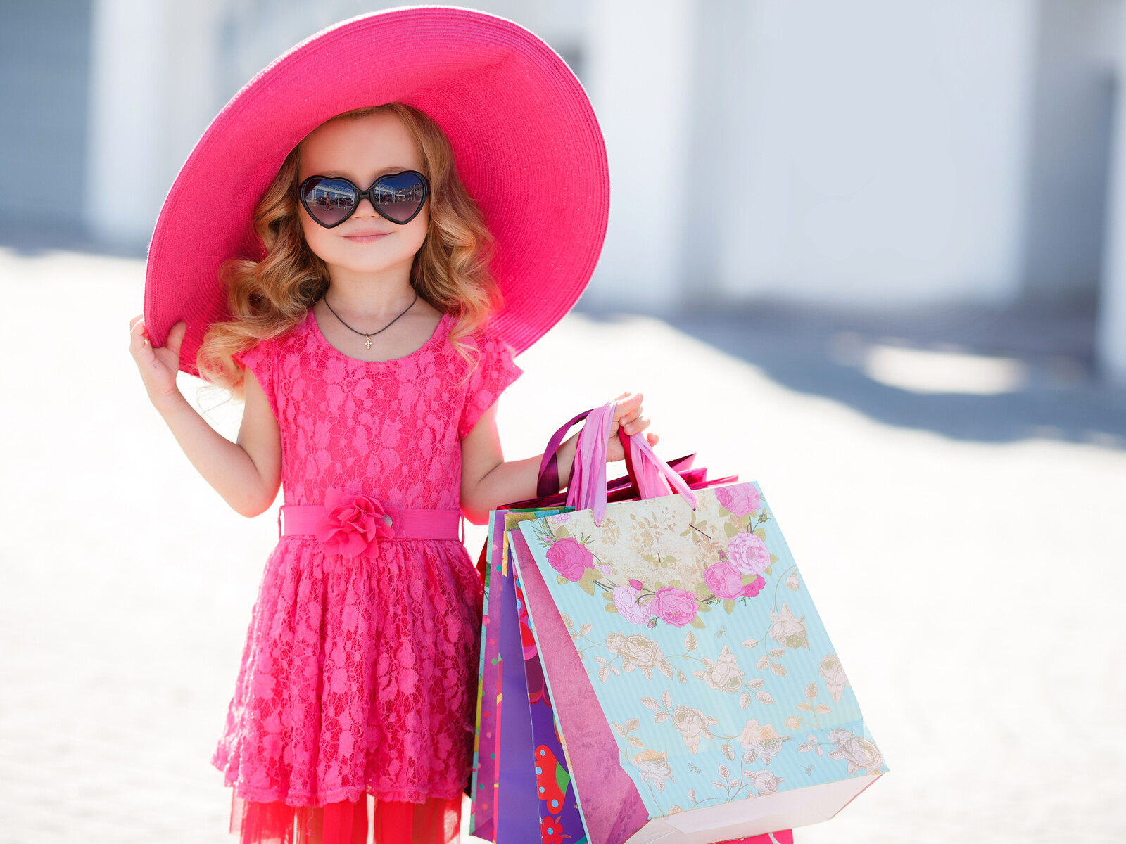 small-girl-pink-hat-to.jpg