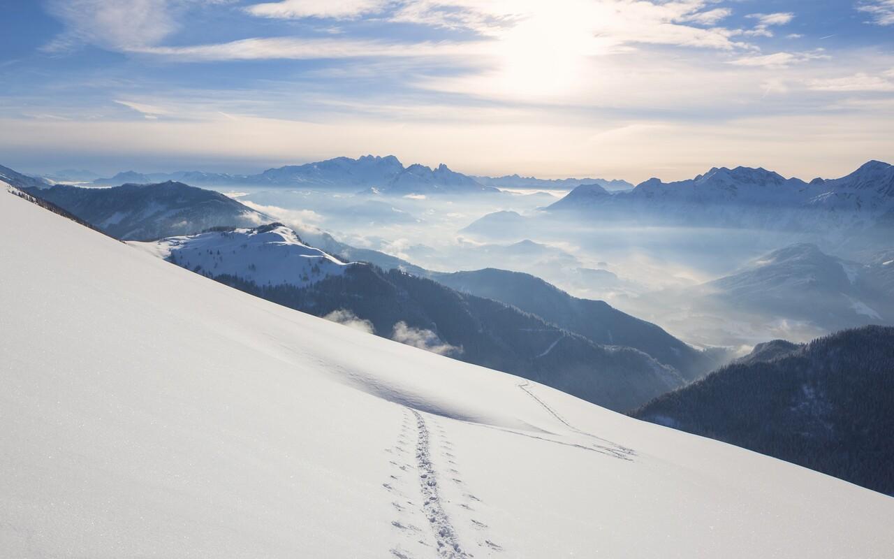 snow-mountains-windows-10.jpg