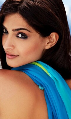 sonam-kapoor-hot-photoshoot-image.jpg