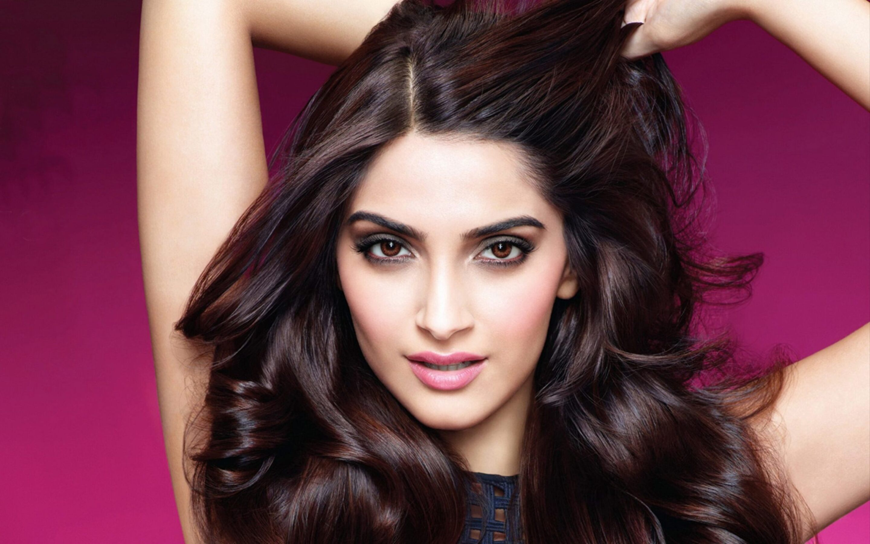 sonam-kapoor-indian.jpg