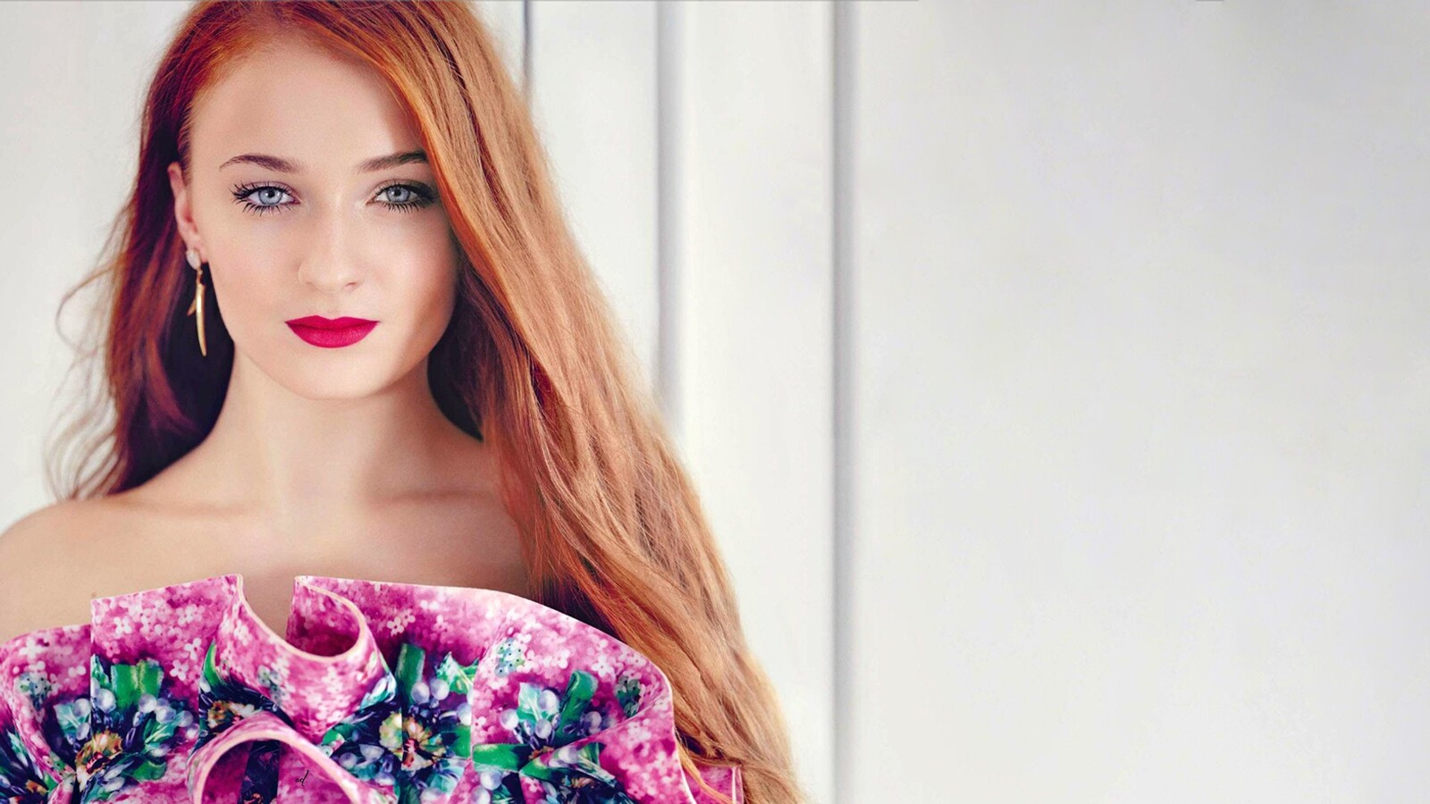 sophie-turner-blue-eyes-image.jpg