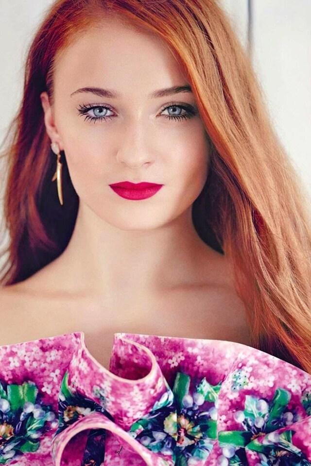 sophie-turner-blue-eyes-image.jpg