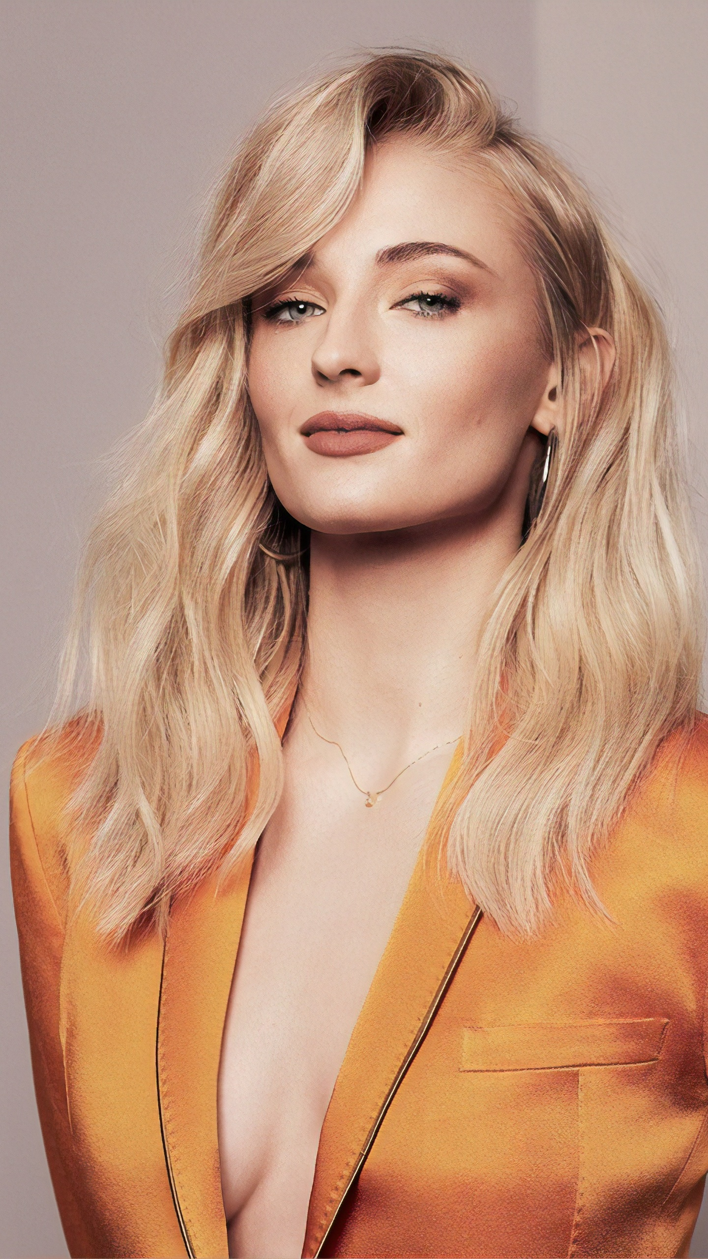 sophie-turner-joy-magazine-photoshoot-ul.jpg