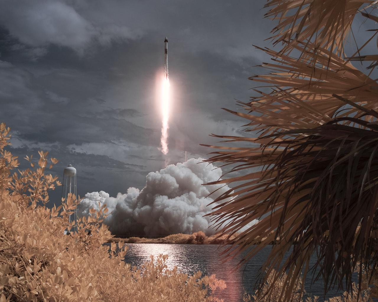 spacex-falcon-9-rocket-crew-dragon-vy.jpg