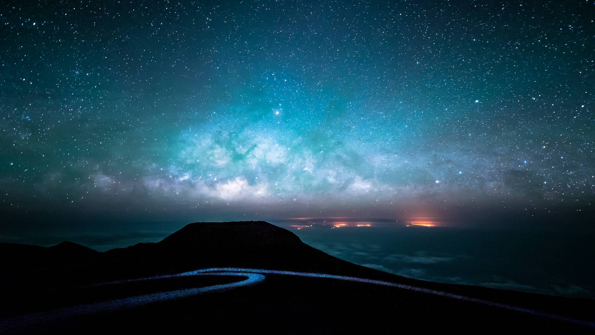 starry-sky-over-road-at-night-to.jpg