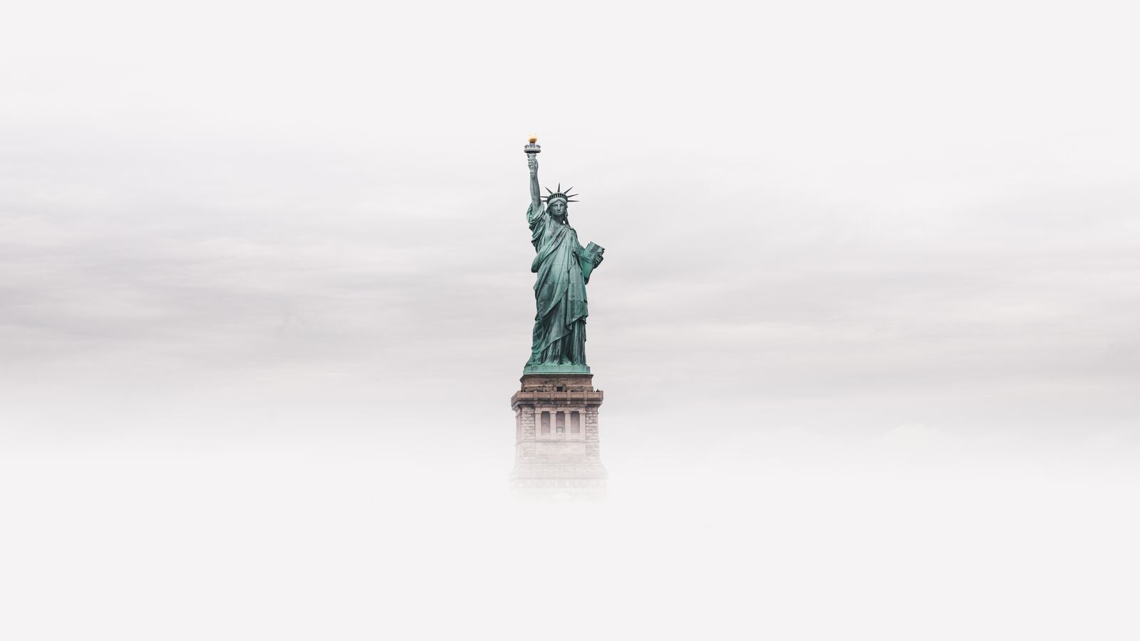 statue-of-liberty-8k-vq.jpg