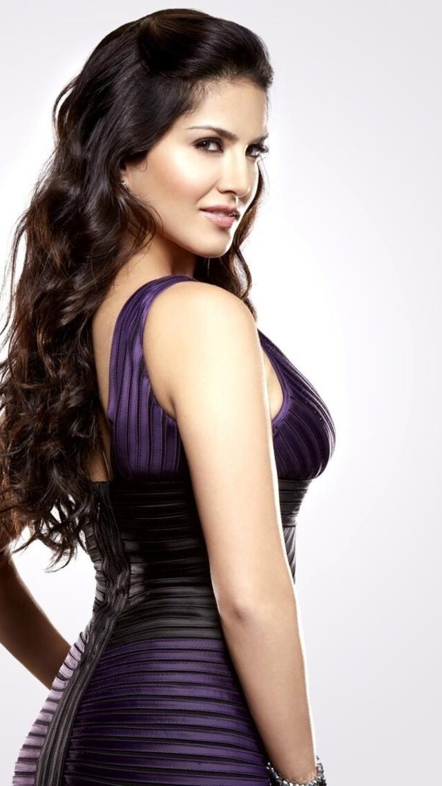 640x1136 Sunny Leone 2 Iphone 55c5sse Ipod Touch Hd 4k
