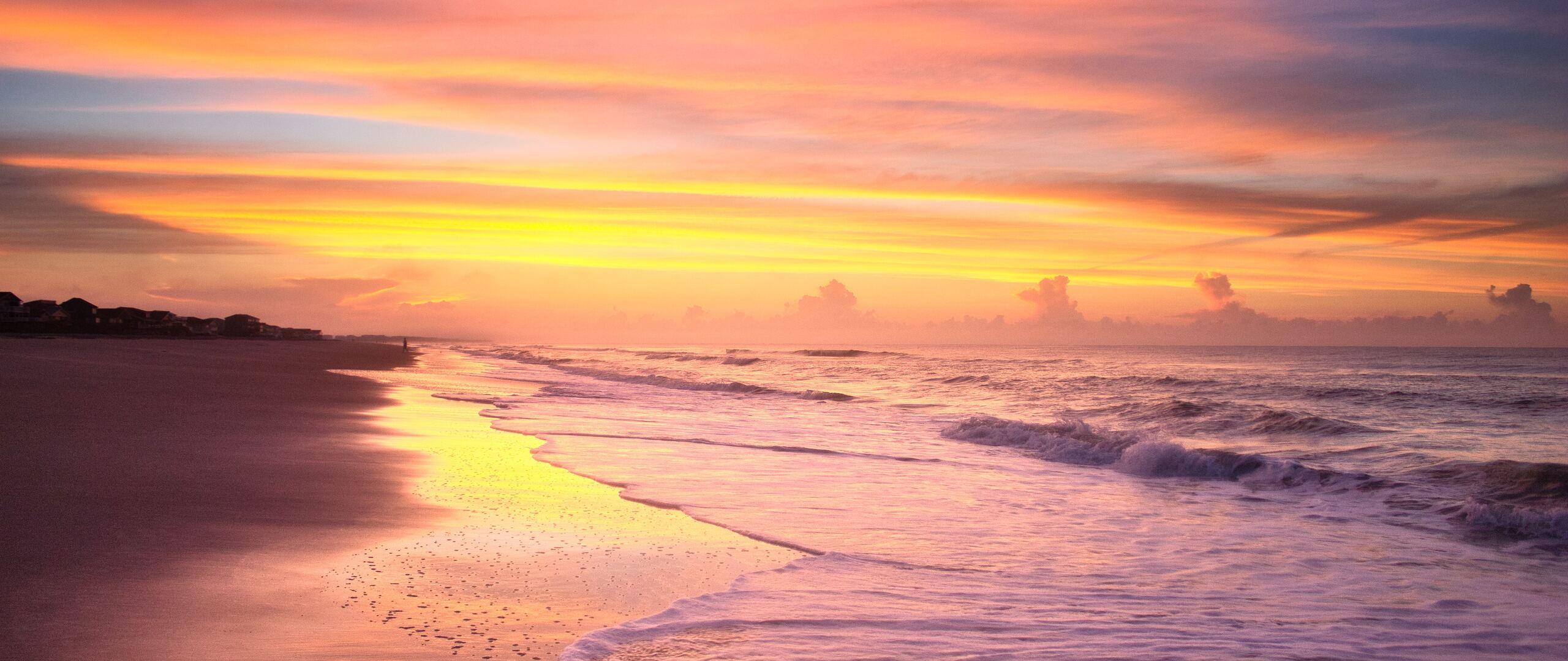 sunrise-on-the-beach-in-the-summer-time-at-ocean-isle-beach-4k-ga.jpg