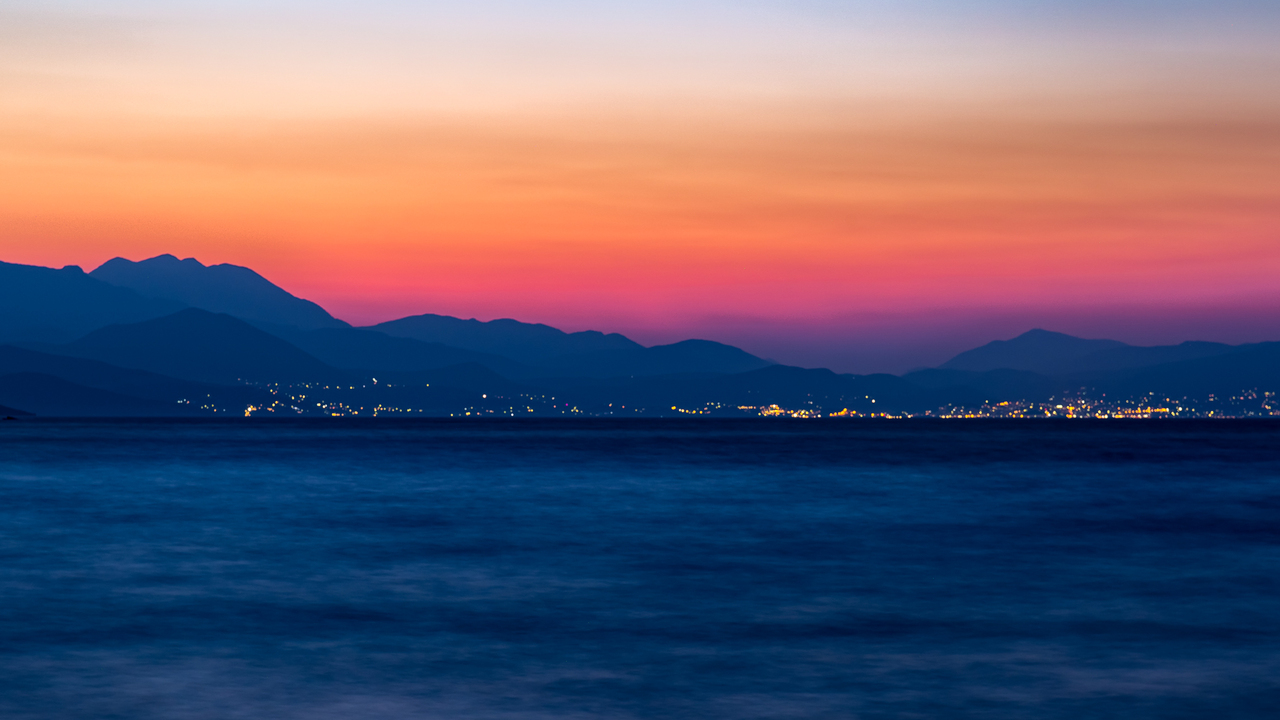 sunset-over-mountains-city-ws.jpg