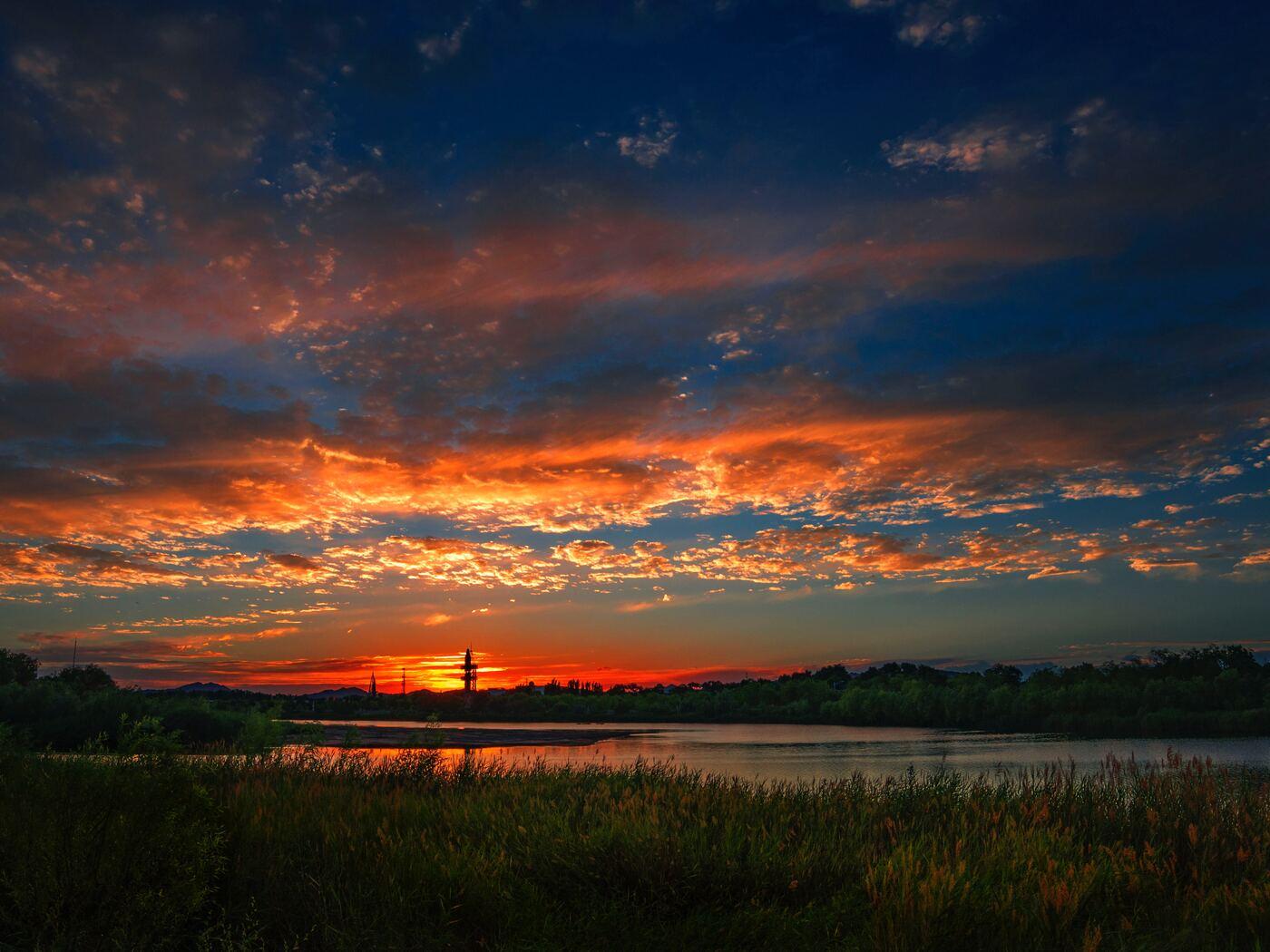 sunset-river-landscape-5k-ra.jpg