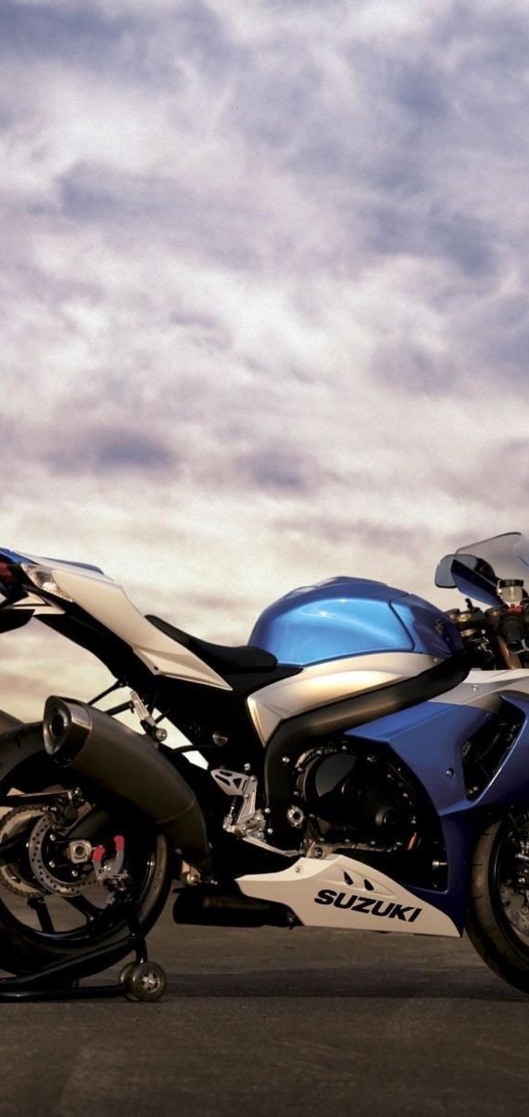 suzuki-gsx-r-bike-pic.jpg