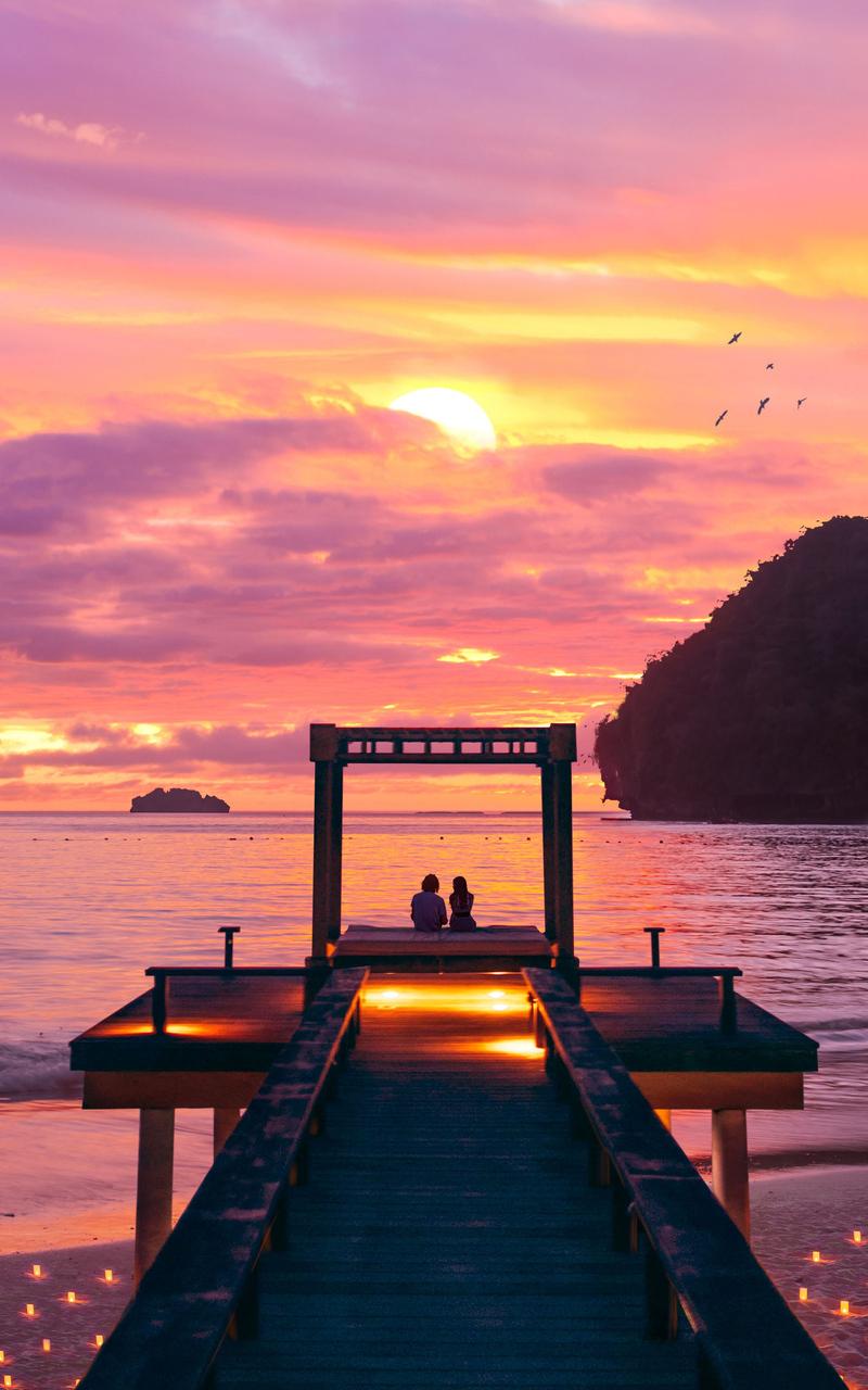 sweet-sunset-couple-4k-ul.jpg