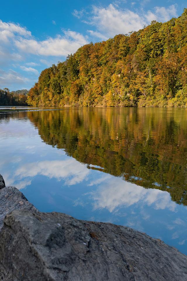 switzerland-river-stones-4k-j9.jpg