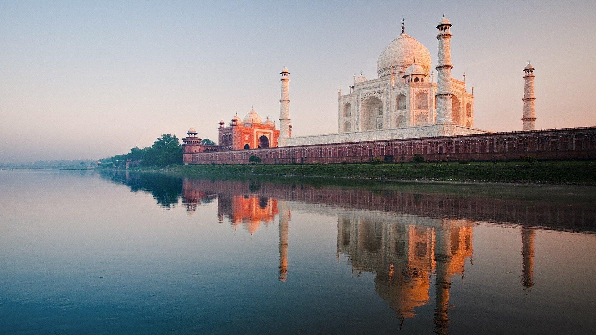 Yamuna River, Agra, Uttar Pradesh, India скачать