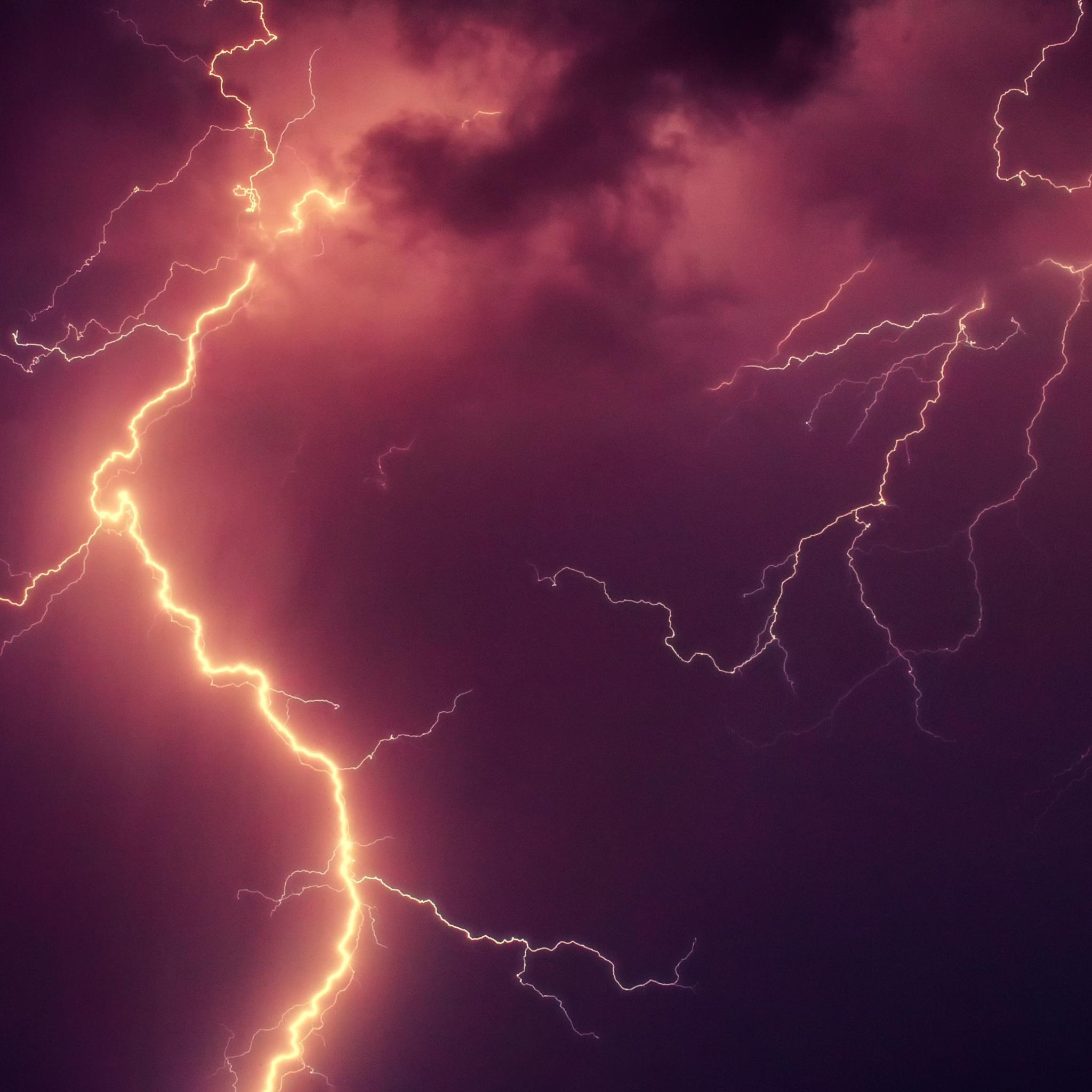 thunderstorm-lightning-strike-kn.jpg