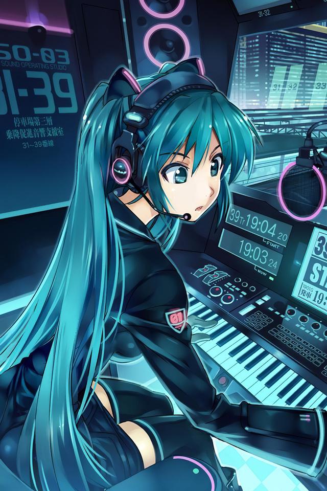 train-pilot-anime-girl-4k-7e.jpg
