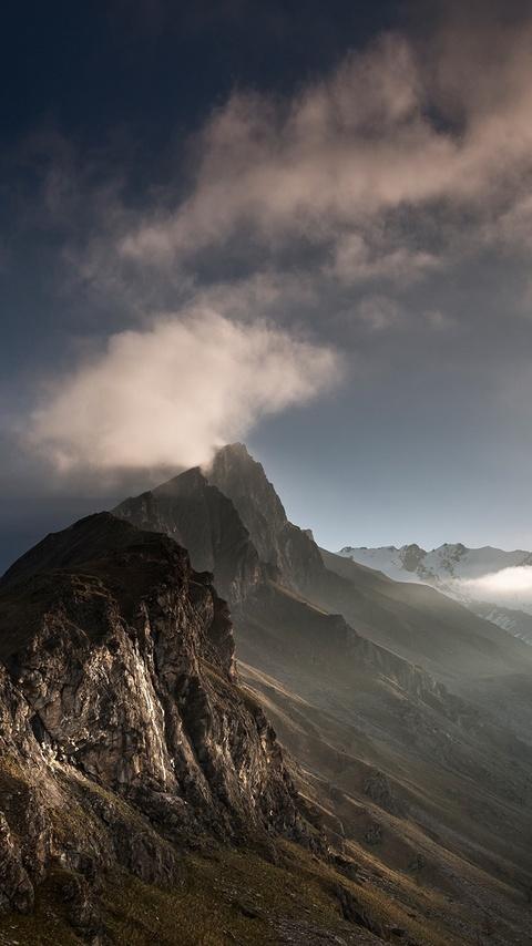 valley-landscape-mountains-4h.jpg