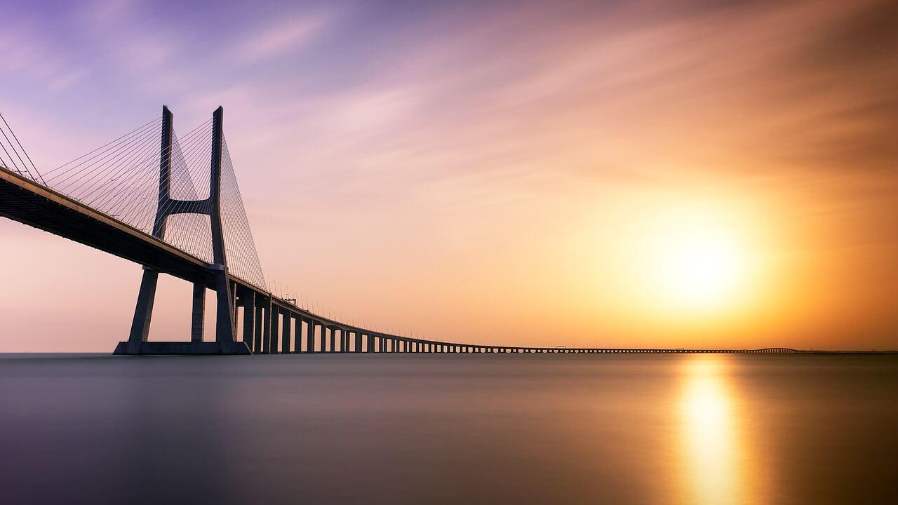 vasco-da-gama-bridge-5k-qb.jpg