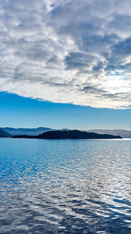 vibrant-clouds-over-lake-seascape-2q.jpg