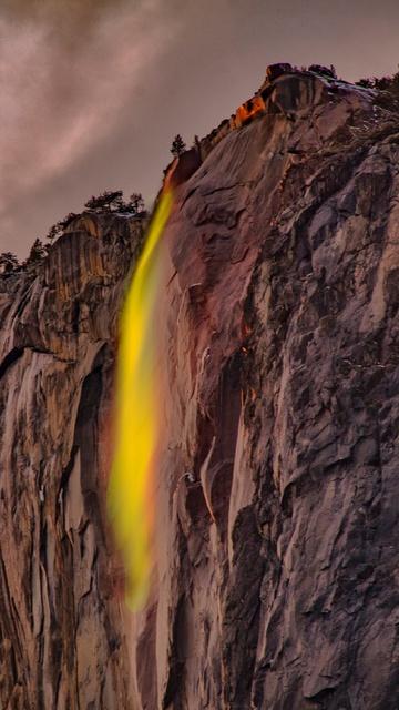 waterfalls-under-white-sky-5k-x0.jpg