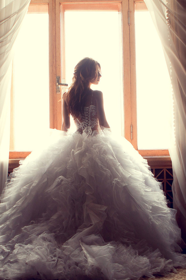 640x960 Wedding Dress Bride Iphone 4 Iphone 4s Hd 4k Wallpapers Images Backgrounds Photos And Pictures
