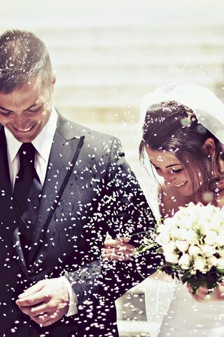 weeding-couple-happy-wallpaper.jpg